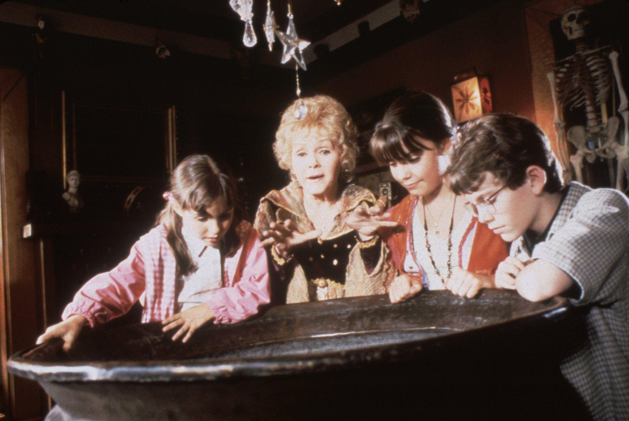 Oct. 1 Halloweentown Best halloween movies, Classic