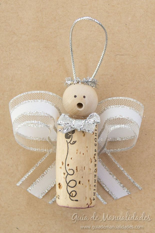 Angelitos navide os con corchos y cintas navidad for Manualidades souvenirs navidenos