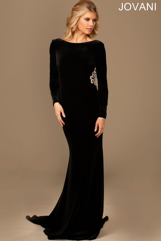 Luxuriate in the elegant voluptuousness of ravishing velvet in the