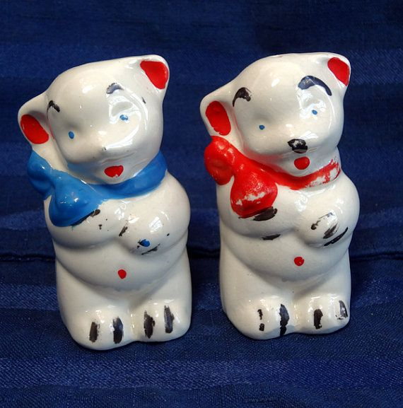 Vintage Shawnee Pottery Bears Salt and Pepper by CurioCabinet, $12.00