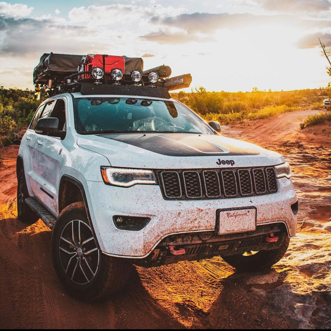 Adventure Seeker Do You Overland In Your Jeep Jeepingthe395 Jeep Grand Cherokee Trailhawk Overland Jeep Grand Cherokee Jeep Grand Cherokee Trailhawk