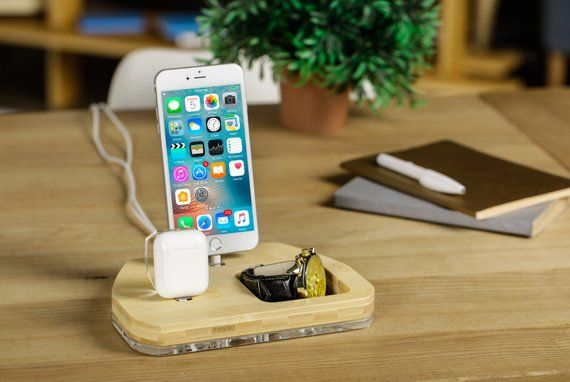 Iphone Airpods docking station, iPhone charging station