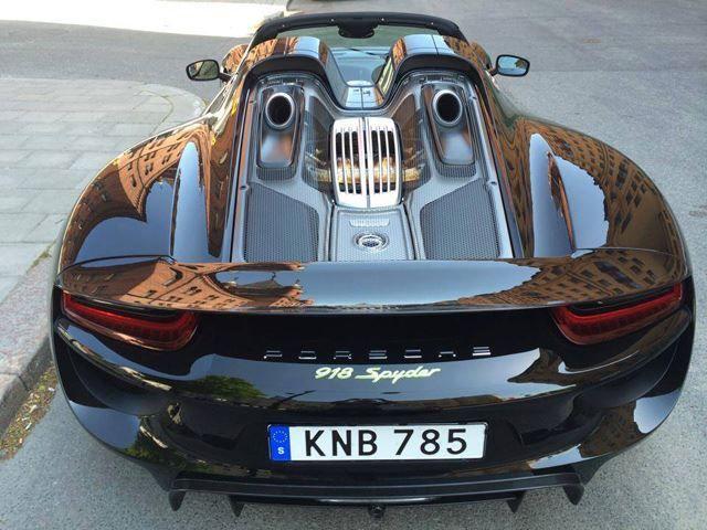 Perfect Match Soccer Star Zlatan Ibrahimovic And Porsche 918 Spyder Carhoots Super Cars Porsche 918 Cars
