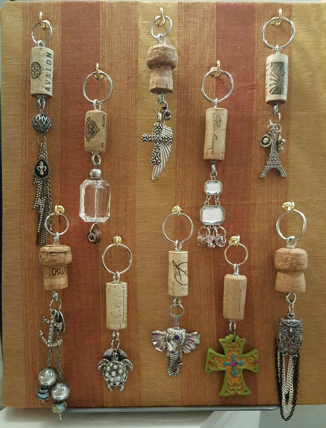 Ornaments made from wine corks - Wine Cork Keychains