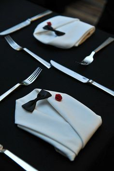 Love This Tuxedo Napkin Fold Idea Napkin Folding