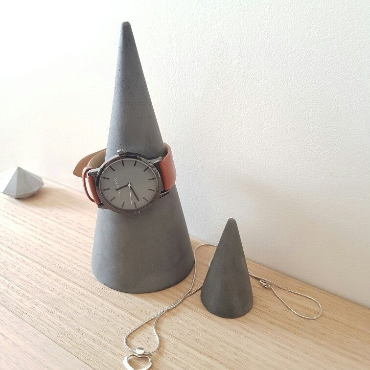 Happy Hump Day! The weekend is nigh... Jewellery cones now available online!  Available in a 2 pack, Marble, White and Grey also to order. Wednesday, let's do this