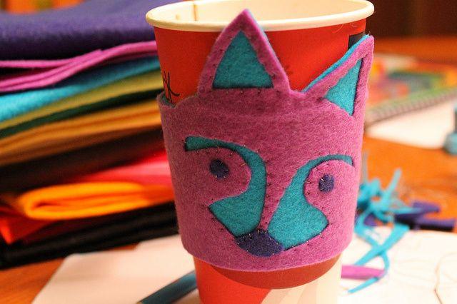 raccoon week: felt coffee cozy tutorial