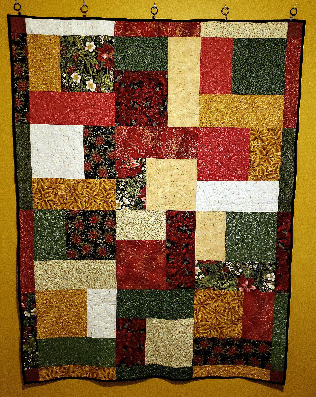 handmade Christmas quilt, festive bed comforter, red green gold ...