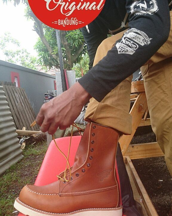 RED WING SHOES 875 Boots Cleaning All Natural Boot Oil
