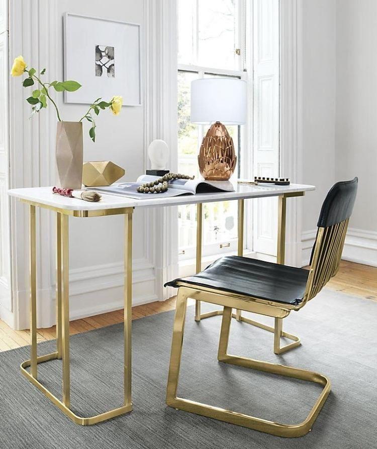 d co design bureau m tallique dor et chaise assortie en cuir noir peinture murale blanc neige. Black Bedroom Furniture Sets. Home Design Ideas