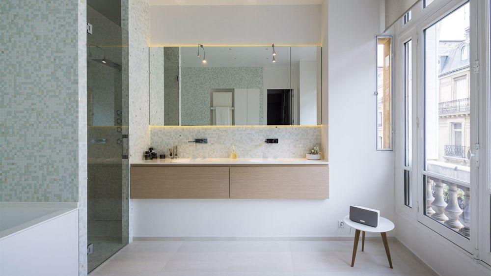 Avant / Après  Transformer une chambre en salle de bains lumineuse - salle de bains design photos