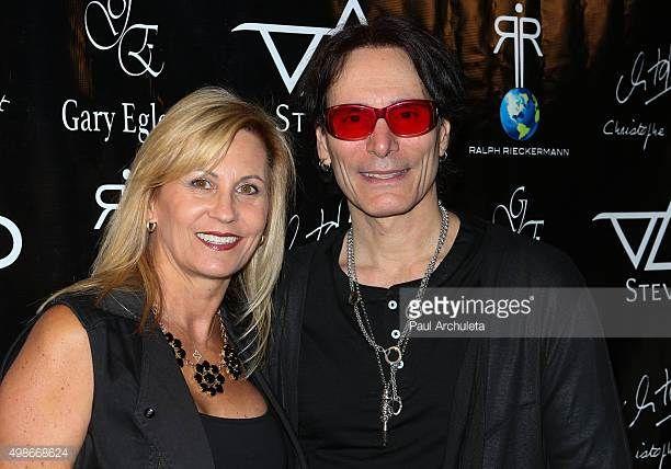 Steve Vai - zarif, Karısı Pia Maiocco