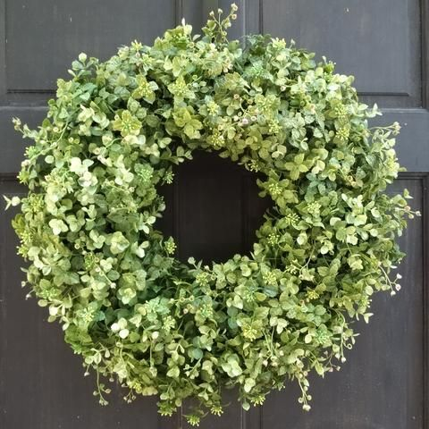 This Simple Yet Stunning Variegated Green Artificial Boxwood And Eucalyptus Wreath Is Highlighted With Small Purple Tendrils And Front Door Christmas Decorations Eucalyptus Wreath Wreaths For Front Door
