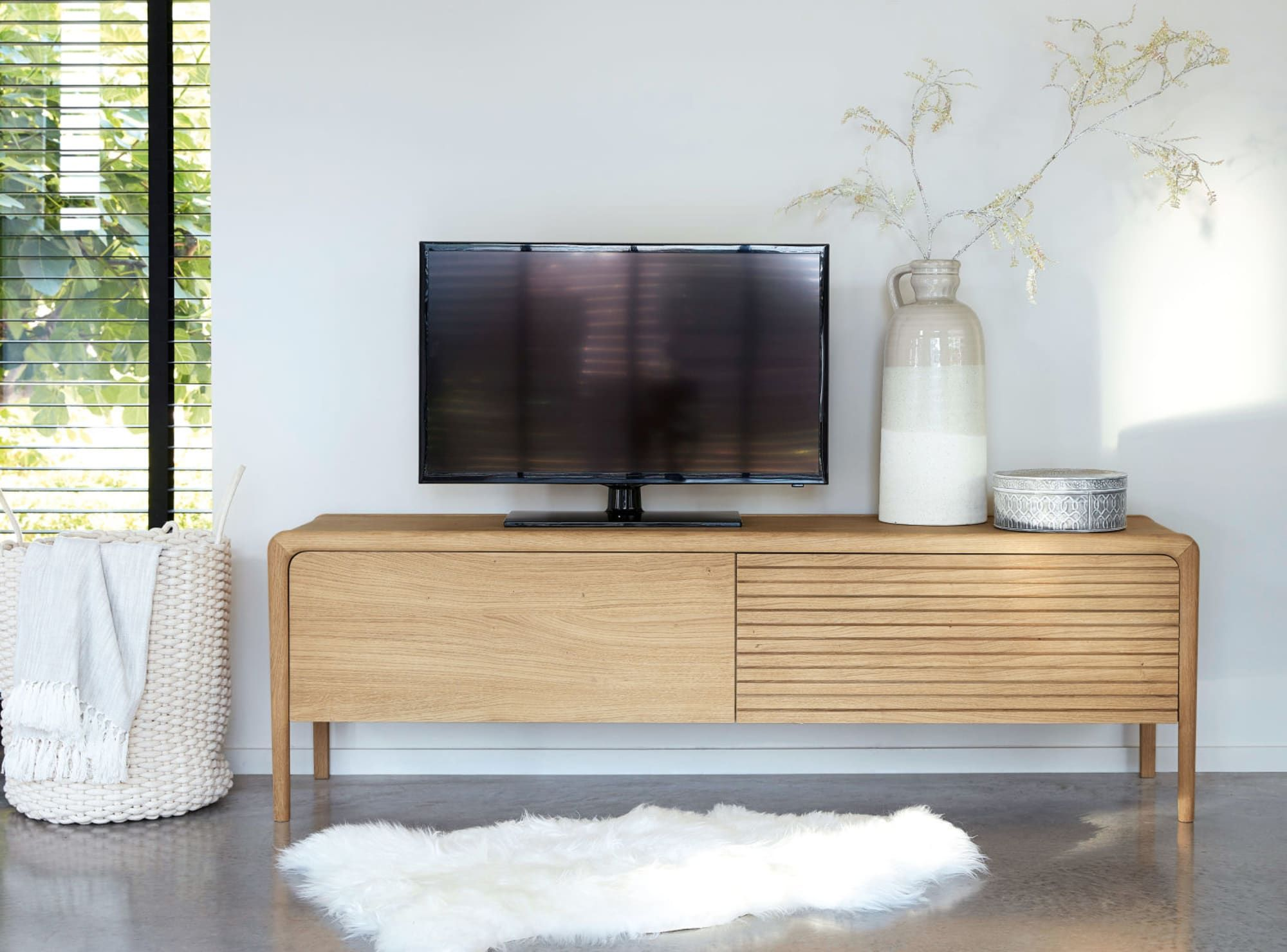 Meuble Tv 2 Portes En Chene Massif Tv Unit Solid Oak Slow Living