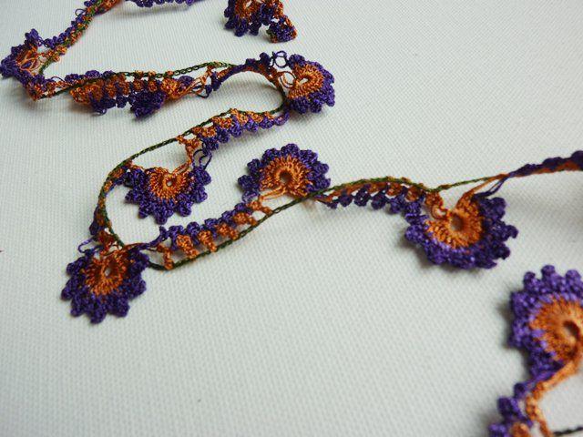 turkish #oya #crochet #lace. bella collana senza schema ma facile da ...