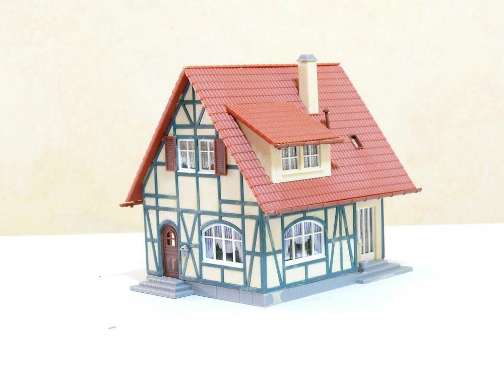 Spur H0 Haus Fachwerkhaus , fertig gebaut in Modellbau, Modelleisenbahn Spur H0, Gebäude