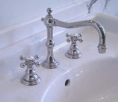 Vintage Bath Traditional Country Faucet
