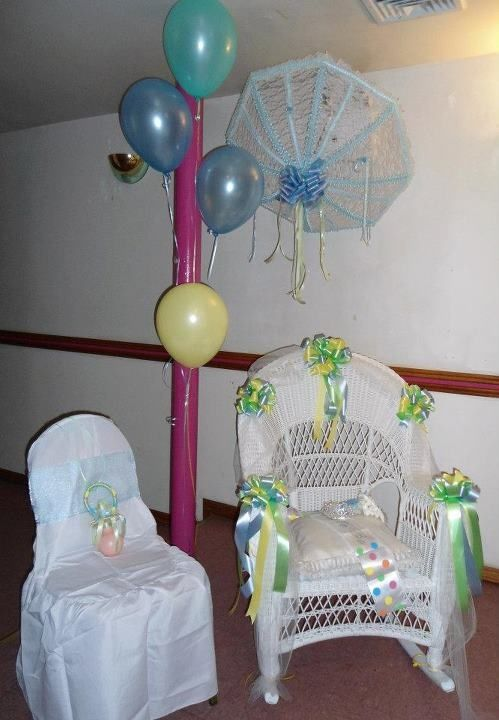 Superb Baby Shower Decor: Wicker Chair,daddy To Be Chair And Umbrella. Decoration  Para