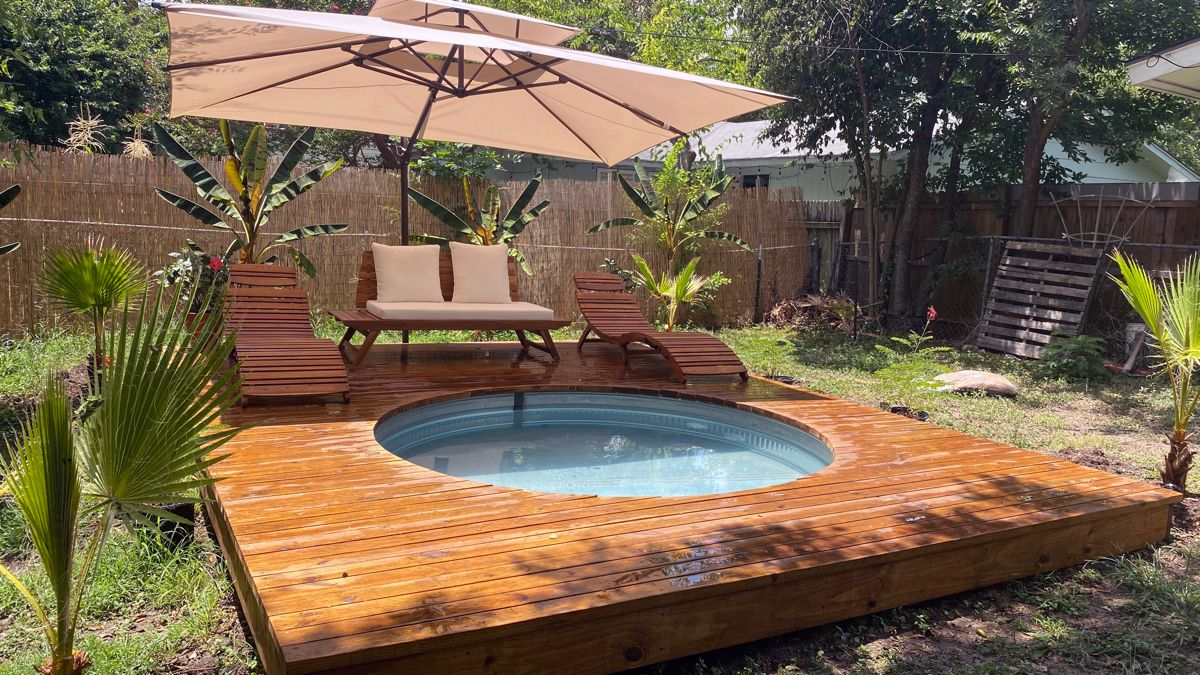 Tropical Backyard Stock Tank Pool With Decking Stock Tank Pool Diy Stock Tank Pool Stock Tank Swimming Pool