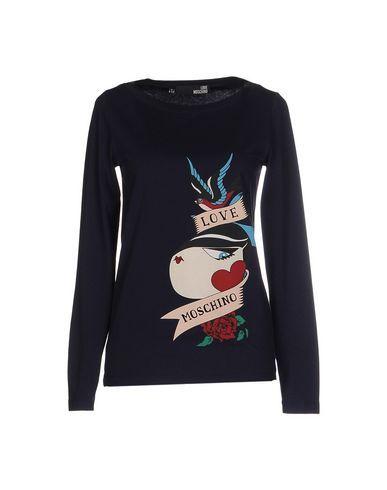 LOVE MOSCHINO T-shirt. #lovemoschino #cloth #dress #top #skirt #pant #coat #jacket #jecket #beachwear #