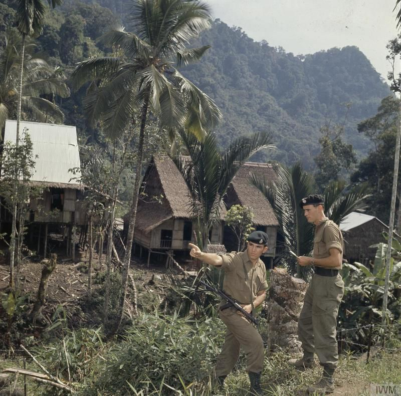 A Platoon Commander of the 1st Battalion, Green Jackets discussing ...
