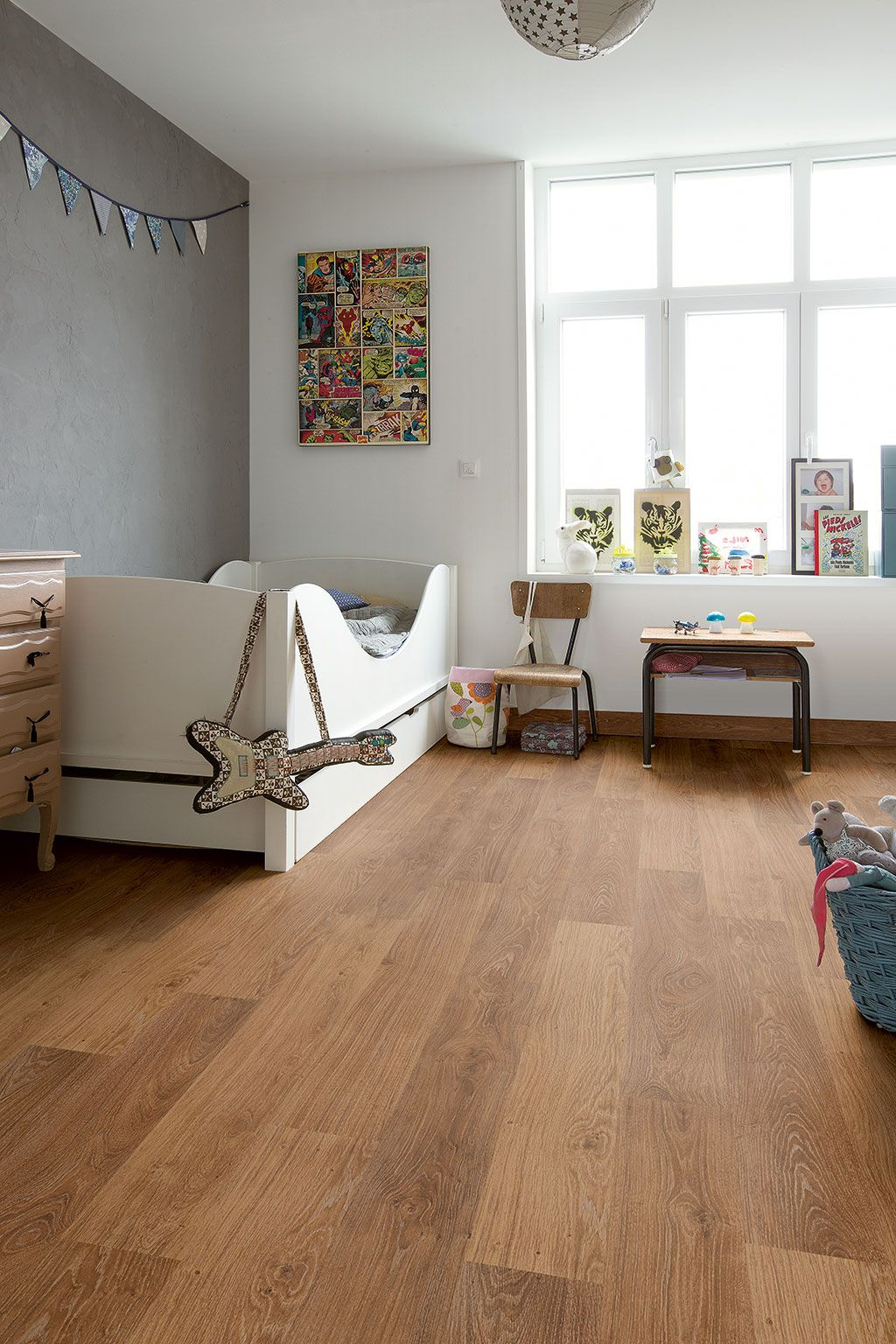 How to find the bedroom flooring of your dreams  Oak laminate