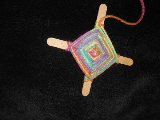 How To Make God S Eyes Using Yarn And Popsicle Sticks