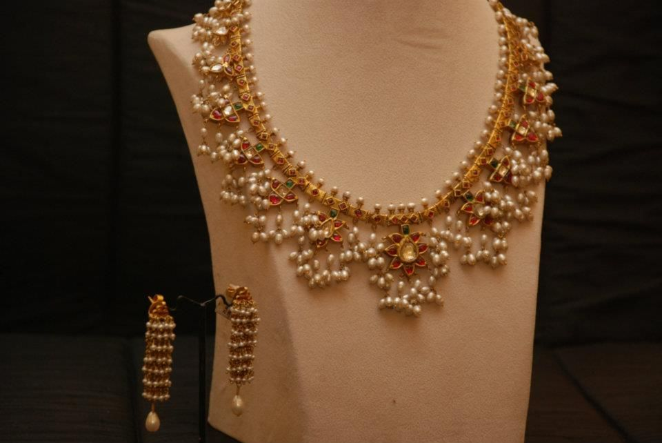 Indian Jewellery and Clothing Awesome 22ct gold bridal jewellery