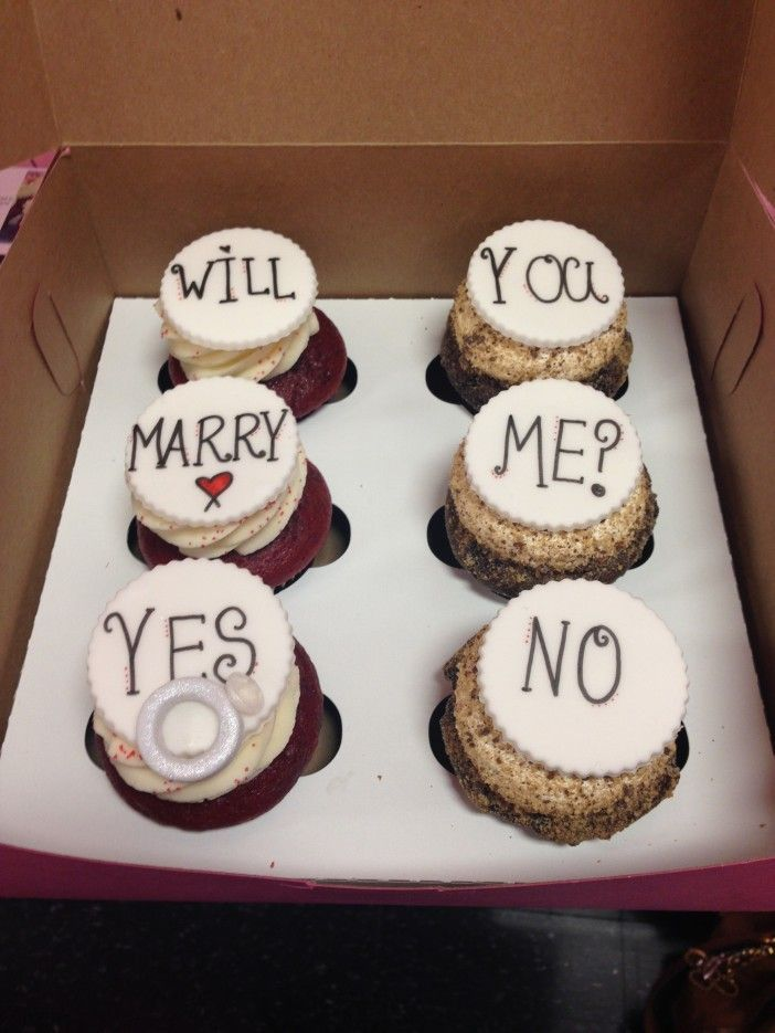 Watch This Guy Propose With Will You Marry Me Cupcakes Proposals