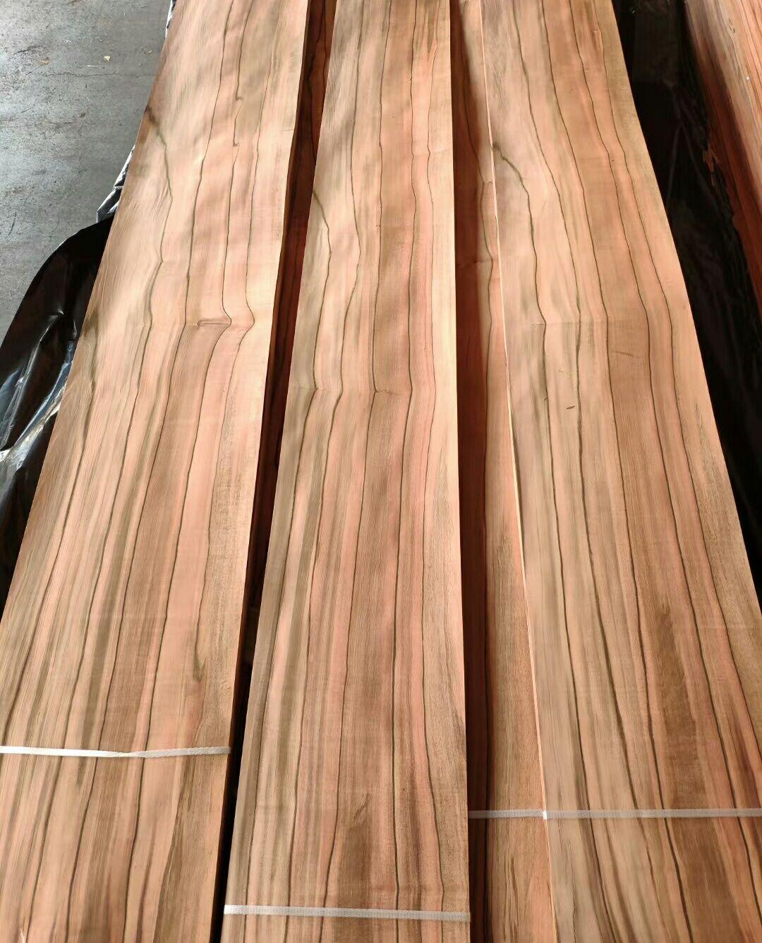 Tineo Veneer In 2020 Red Oak Wood White Oak Wood Wood Veneer