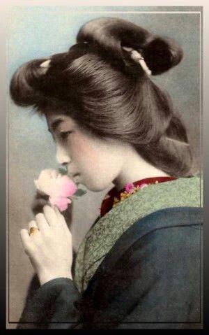 Pin By Rodrigo Silva On Hair To The Throne Geisha Hair Geisha Model Hair