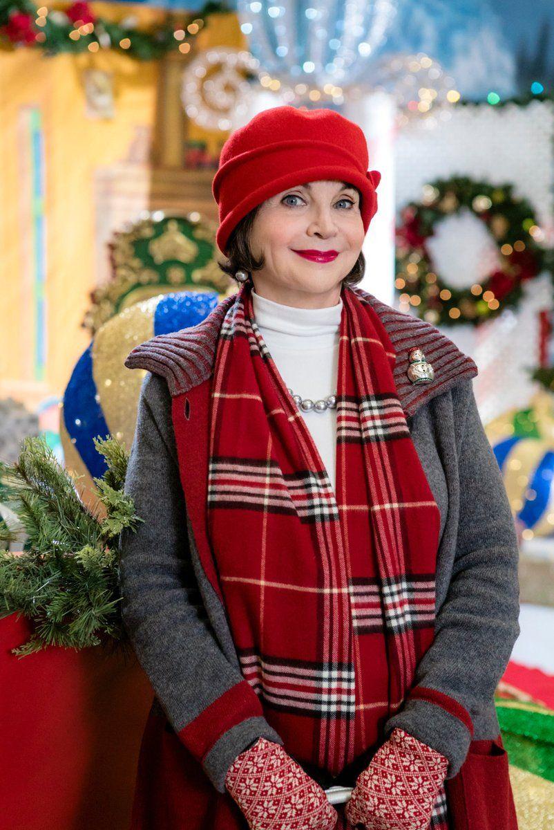 A Dream Of Christmas.A Dream Of Christmas With Nikki Deloach Cindy Williams