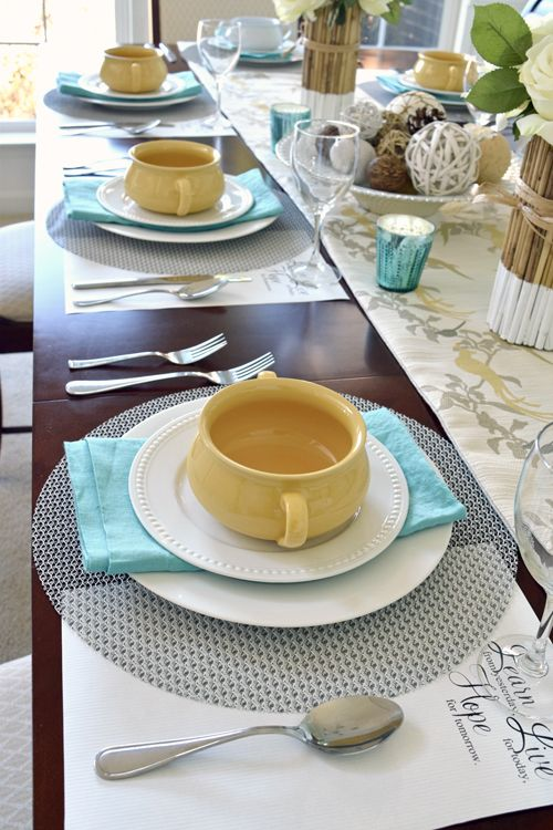 Dinner Tablescape and Place Settings | Easter table settings, Casual ...