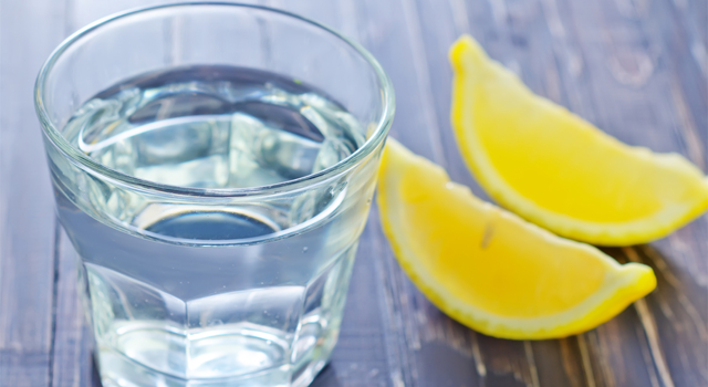 7 Reasons Why The Day Should Start With A Glass Of Lemon Water ! | Fountain Facts