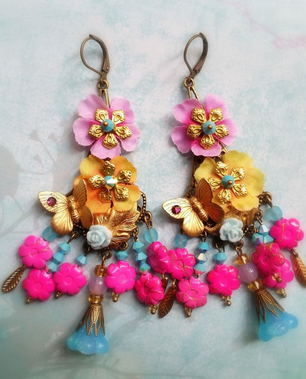 Longues boucles romantiques fleuries bohême multicolores : Boucles d'oreille par lorenza