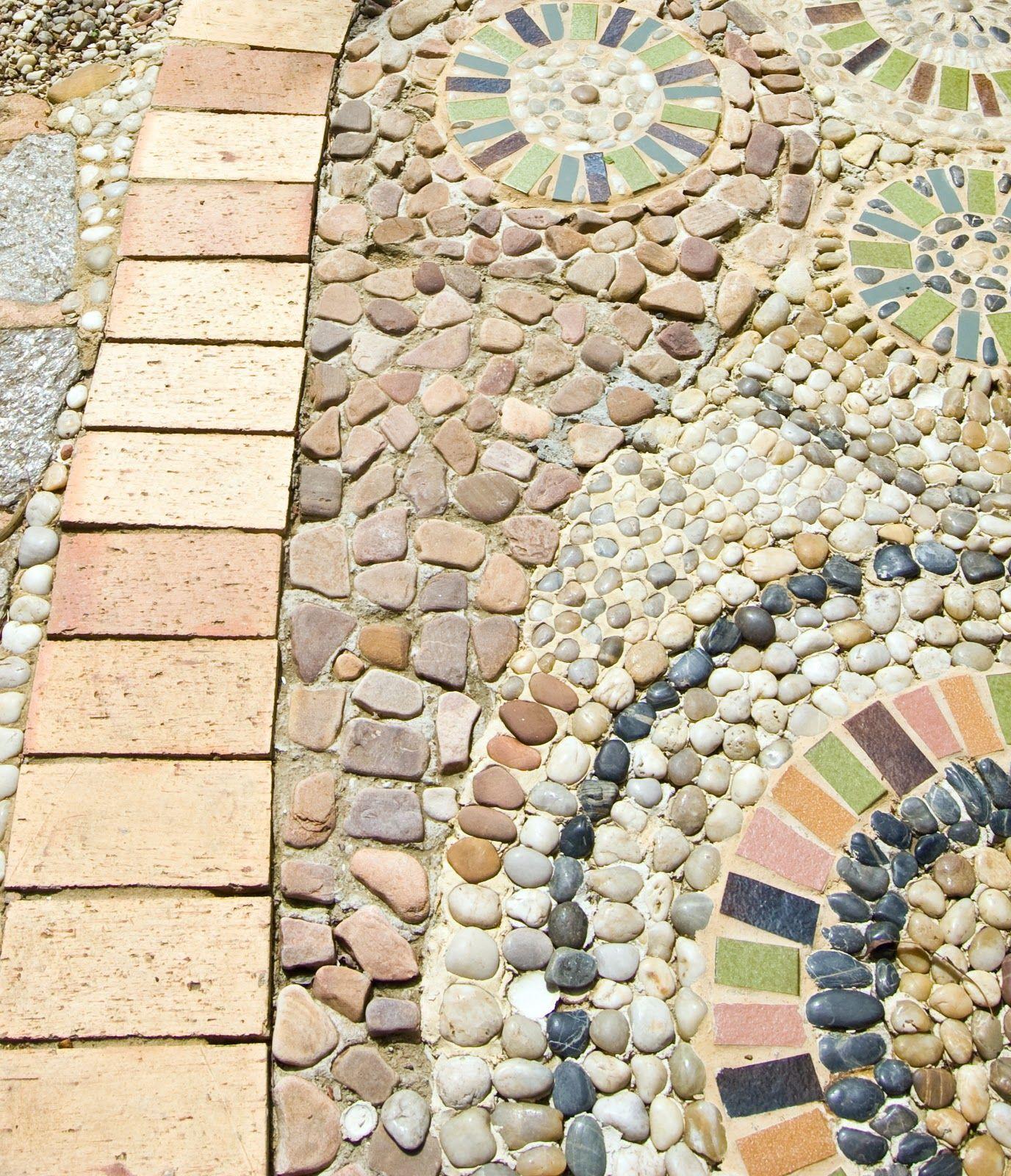 Astonishing Mosiac Garden Walk 12 Of 22 The Wunderkammer Tickletank A Living Work Of Art Mosaic Garden