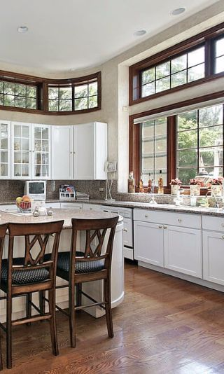 Kitchen Interior Design Ideas Classic: Classic Craftsman White Kitchen With Curved Cabinetry