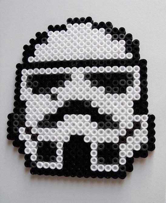 sous verres perles hama midi geek dark vador stormtrooper repasser hama et perles. Black Bedroom Furniture Sets. Home Design Ideas