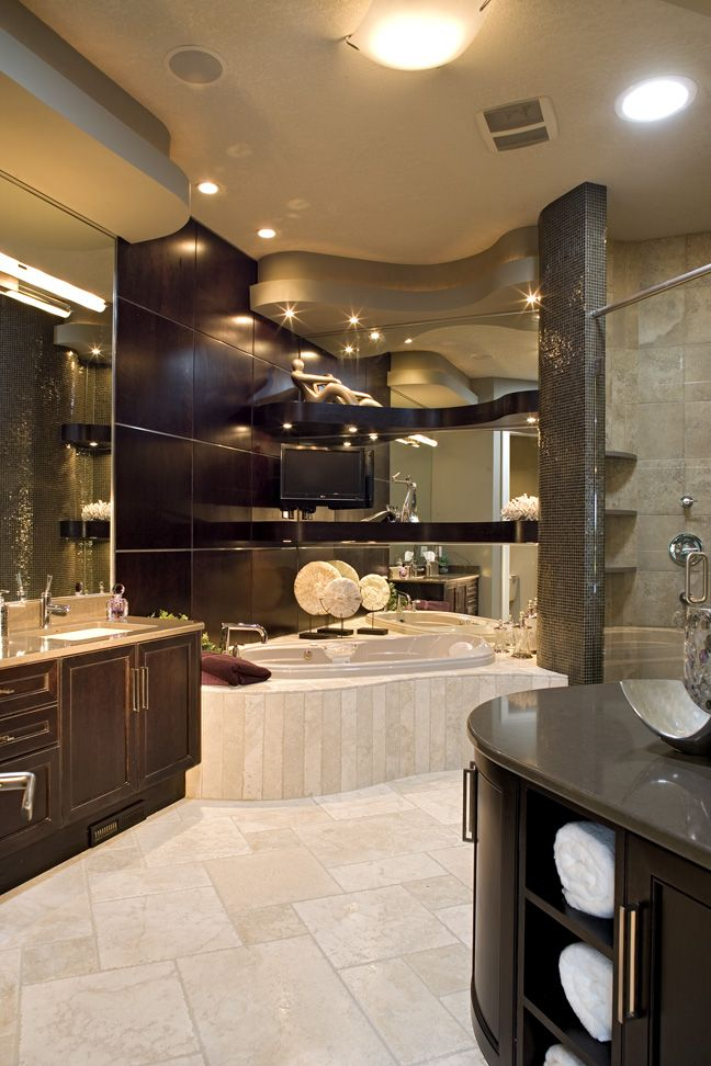 Curvy, Unique, Bathroom With Large Jacuzzi Tub Is Class And Luxury At Itu0027s  Finest