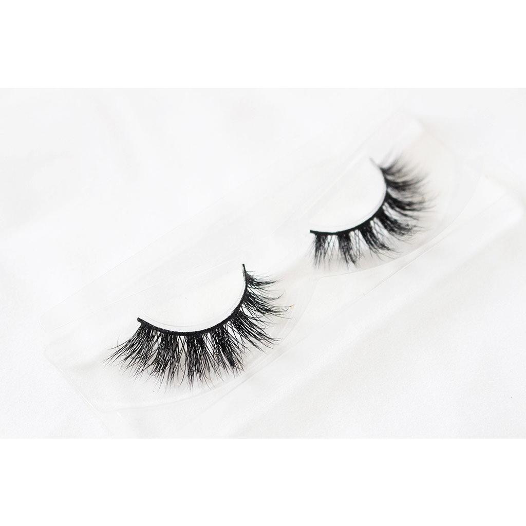 a4a0b09a55b Majestic af unicorn lashes | Cosmetics | Unicorn lashes, Lashes, 3d ...