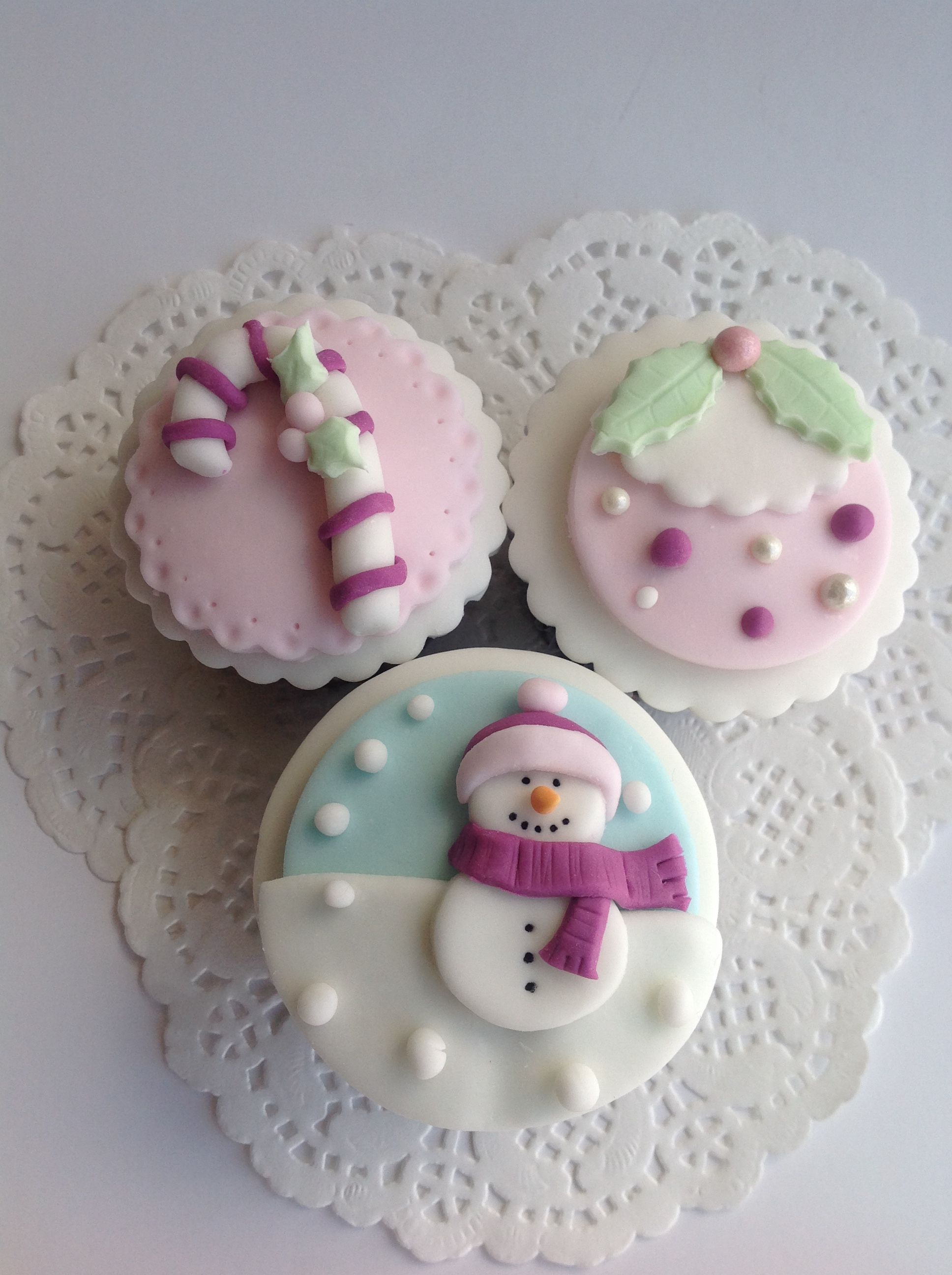 Christmas cupcakes | Cupcakes de navidad, Golosinas de navidad, Piruleta de bizcocho