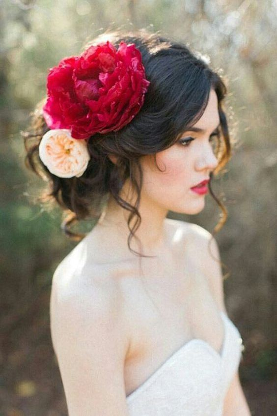 Types of Buns to Rock at Your Wedding | Mexican hairstyles, Spanish hairstyles, Night hairstyles