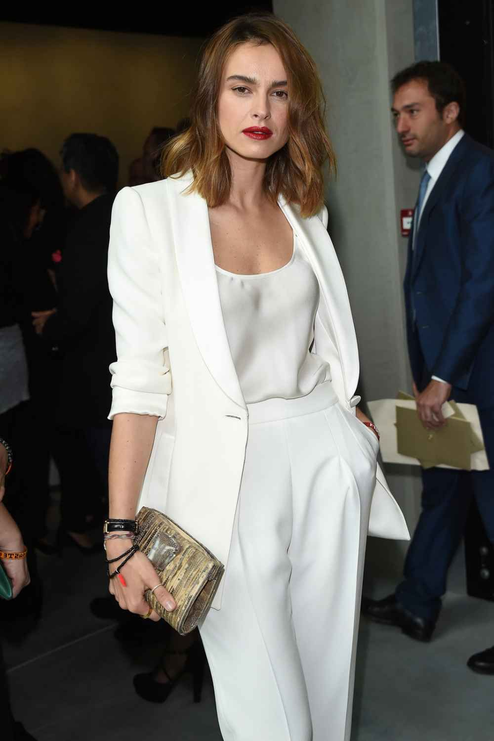 White Armani suits forecasting dress in summer in 2019