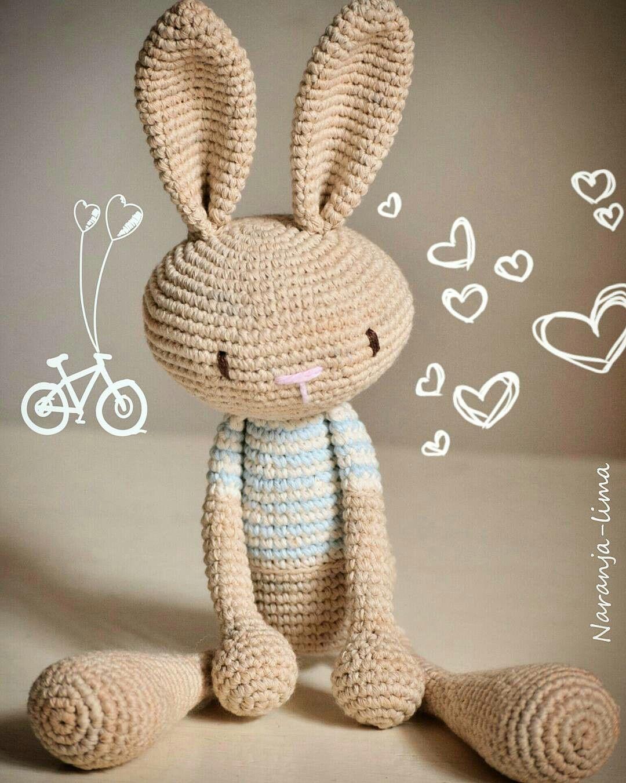 f324125bf Amigurumi, conejo de remera rayada (a partir de un patrón modificado ...