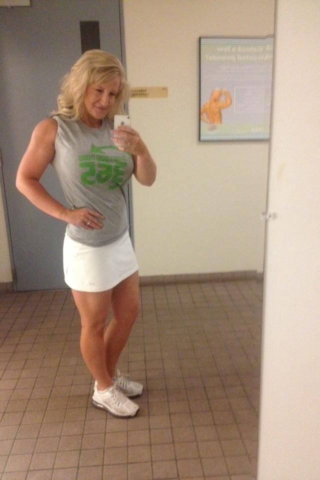 Misti Love Sowell Is A Mother Of 5 Children And She Looks Amazing Misti Knows What It Takes To Make It To The Top
