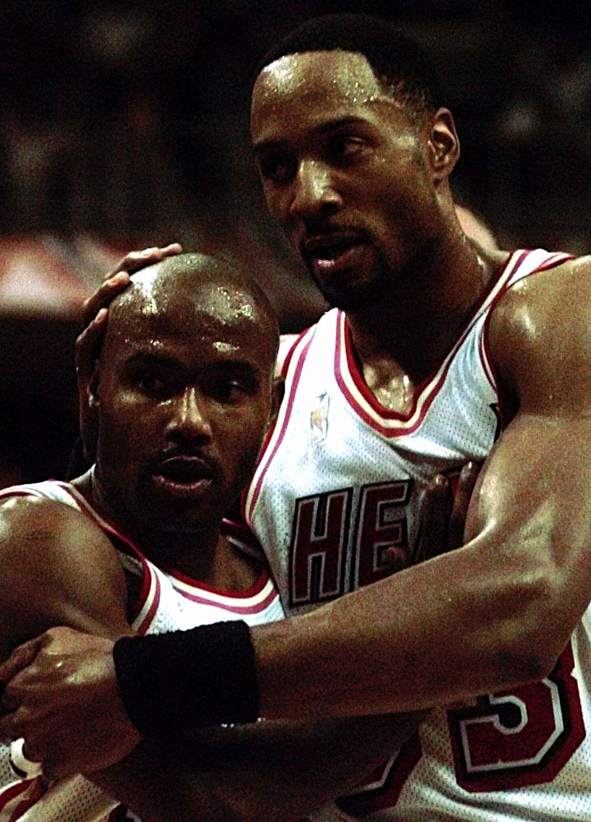 Tim Hardaway Alonzo Mourning Basketball Jones Nba Miami Heat Basketball Pictures