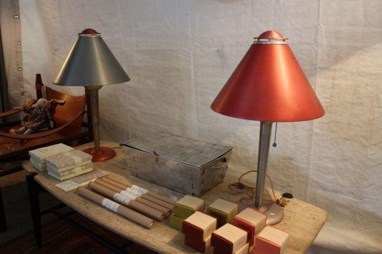 Design organique sélection de quelques meubles et pièces faits à la main présentés à la foire field and supply à new york