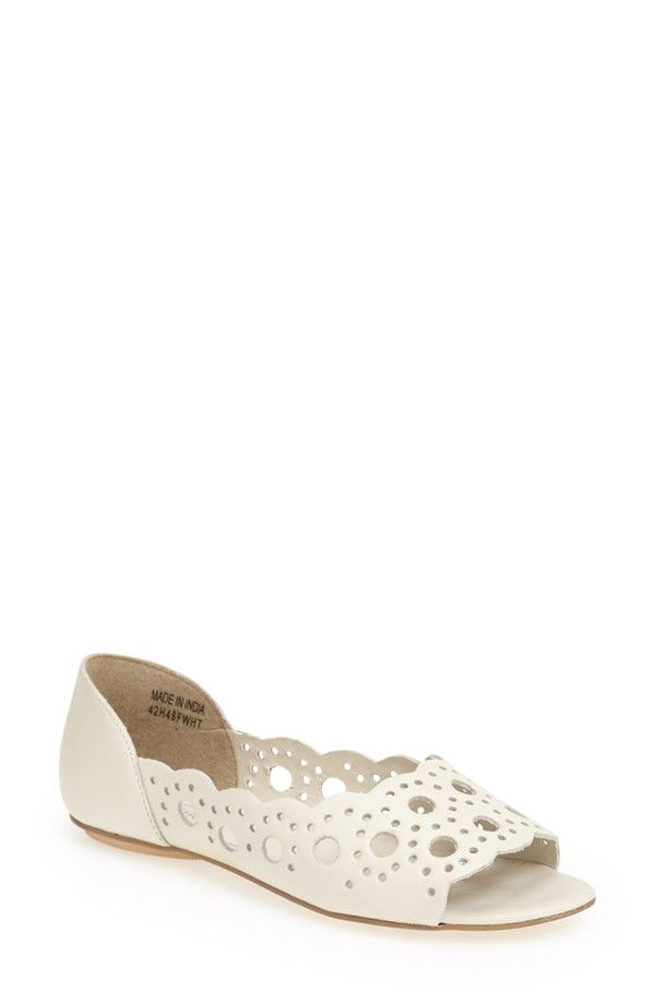 f4ff6e097d8 Love the scalloped edges and cut-outs on this Topshop 'Happy Days' peep toe  flat.
