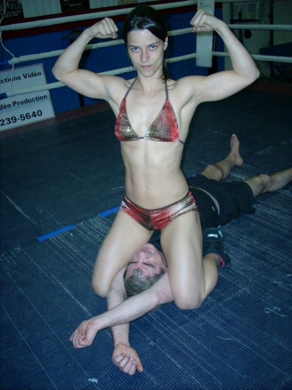 Wow Look At Her Magnificent Muscles  Intergender -9299