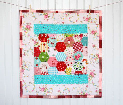 Hexies doll quilt